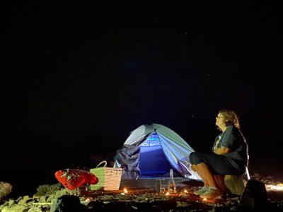 La semplicità di una notte nel deserto